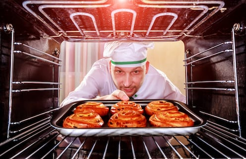 """The ABM Cookbook: 5 """"Recipes"""" to Keep Sales Focused on Target Accounts"""
